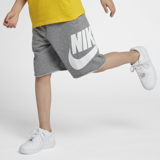 Photo from NIKE.COM ;灰白色