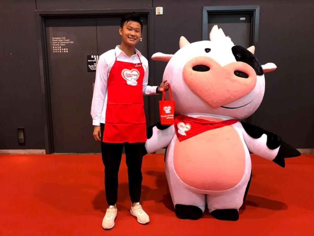Presslogic;牛欄牌:登記入會就有兩盒牛欄牌紙包牛奶,好彩嘅仲會見到牛牛㗎~